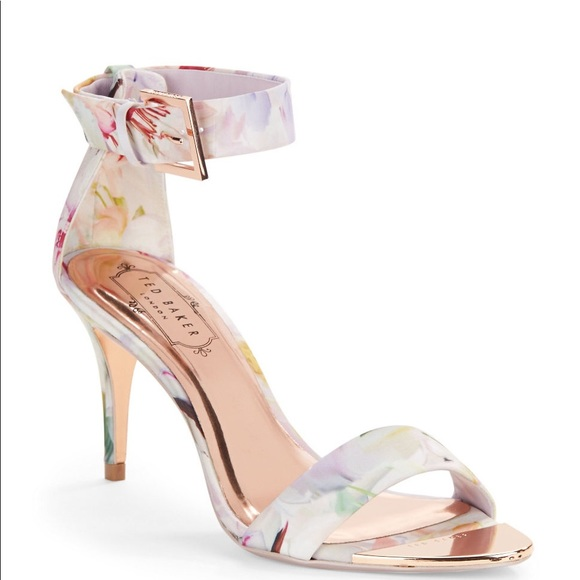e108929a3 Ted Baker White Blynne Floral Open-Toe Sandals. M 5aeb9931caab449f1a29fa00